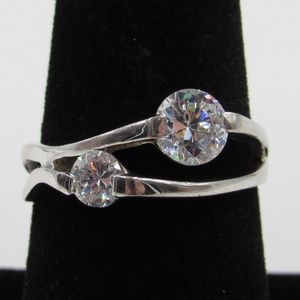 Vintage Size 8 Sterling Odd CZ Diamond Ring